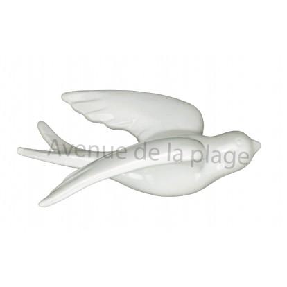 Hirondelle en céramique en vol blanche, déco de jardin.