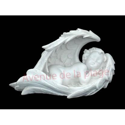 Ange, cupidon endormi dans ses ailes 19 cm, modèle A, déco baptême.