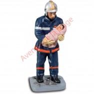 Figurine Pompier avec enfant 12 cm