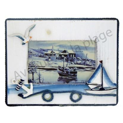 Cadre photo horizontal en bois décor marin avec ancre et voilier.