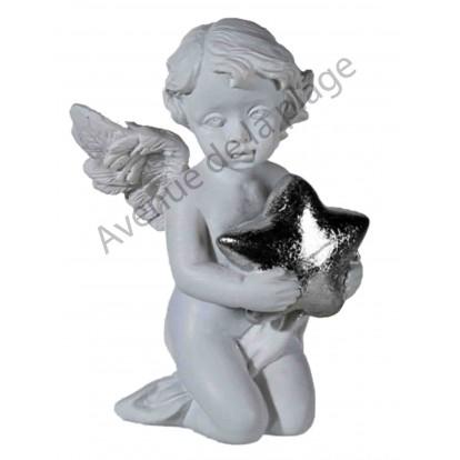 Figurine ange avec étoile argentée, modèle A.