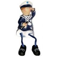 Statuette enfant en habits marin 11 cm : le garçon avec une longue vue