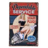 Plaque vintage Pin-up sur bougie d'allumage