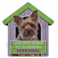 Pancarte métal Dans cette maison vit un adorable Yorkshire