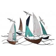 Décoration murale régate voiliers et mouettes en métal 94 cm