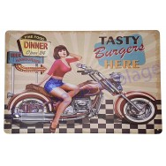Plaque vintage Pin-up sur moto Dinner Tasty Burgers