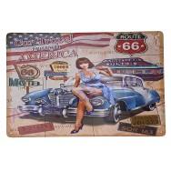 Plaque vintage Pin-up sur voiture ancienne Car Travel