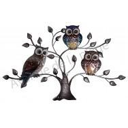 3 chouettes posées dans un arbre en métal à accrocher