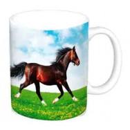 Mug cheval dans la prairie