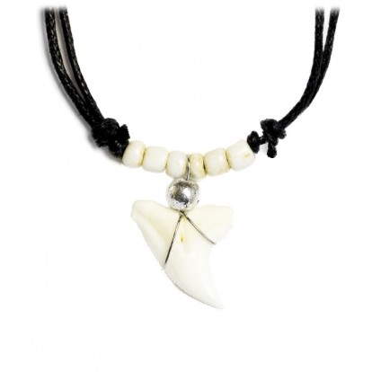 Collier dent de requin véritable