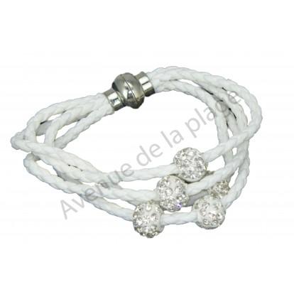 Bracelet Boules strass blanc, fermoir aimanté.
