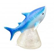 Requin sur socle lumineux
