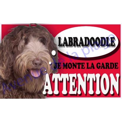 Plaque Attention Je monte la garde - Labradoodle