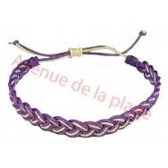 Bracelet tressé bicolore violet et blanc.