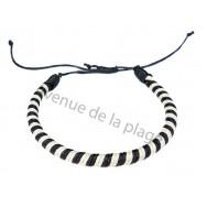 Bracelet brésilien rond noir et blanc.