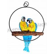 Couple de perroquets bleus sur perchoir à suspendre.