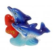 Couple de dauphins avec coeur en céramique